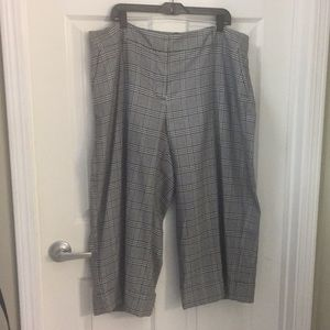 (EUC) Size 20 Wide Leg Capris by Lane Bryant